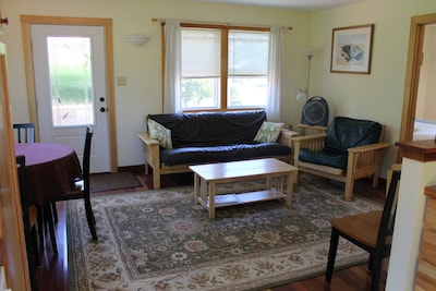 Smith Cottage Living/Dining area