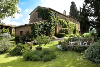 Relax in the countryside with good wine food and friends in a 16th cen. home