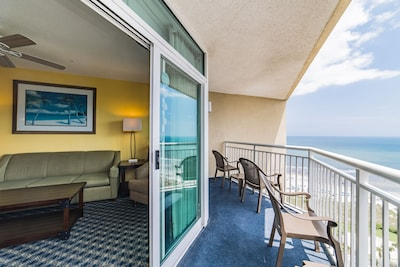 Largest Indoor Water Park-Penthouse Condo-Southern Exposure
