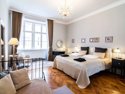 Sonata: King size bed, boudoir and extra single bed in the Master bedroom