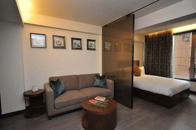 Luxury 1 Bedroom in Wan Chai