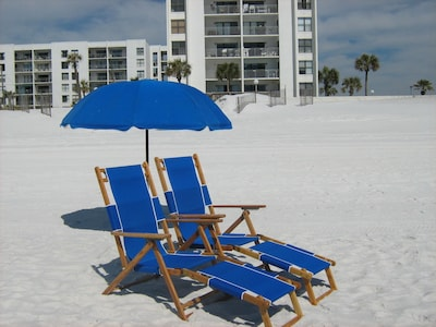 BEACH SERVICE IS PROVIDED MARCH 1- OCTOBER 31!!!!!