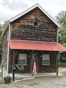 Elkin Creek Vineyard, Elkin, North Carolina, United States of America