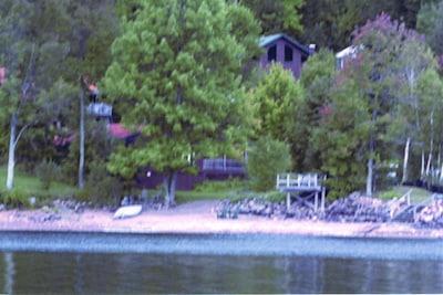 Burke's Cottage #3 &   Beachfront Area