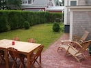 Beautiful, private outdoor garden & patio with BBQ