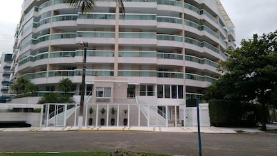 Riviera de São Lourenço frente ao mar - 1 suite, 02 pisc, ar condicionado