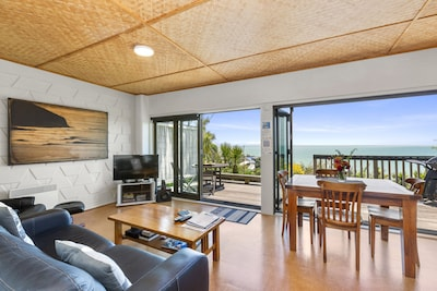 Open plan living with awesome views