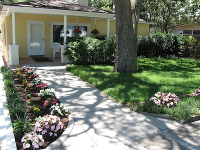 Beach cottage with private walkway. Great location.