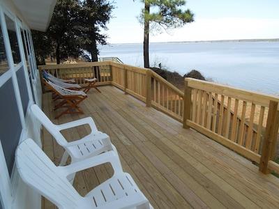 Deck facing Jamestown across the river.