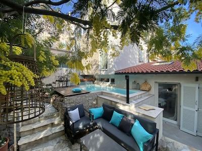 Très jolie petite maison avec jardin proche de la Croisette et des plages