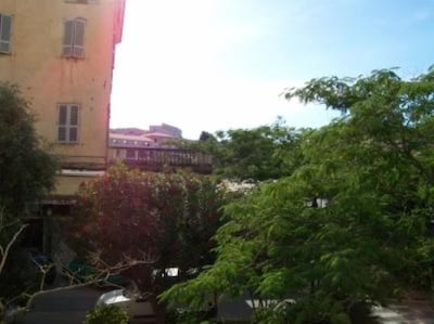 Vue de la terrasse place delannay