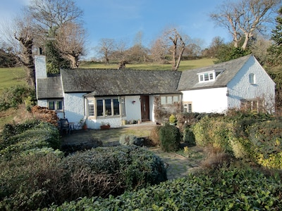 Beautiful Detached Cottage with Lovely Views from Front and Back Gardens