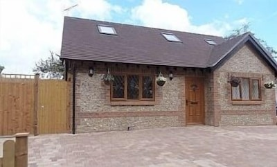 3 bedroom cottage near Arundel Castle and Beach