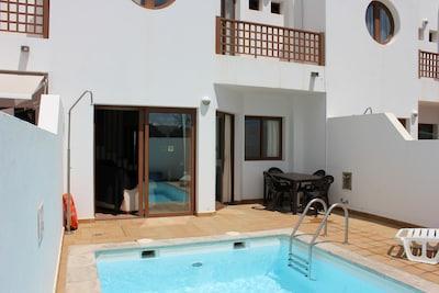 Rear/Private pool