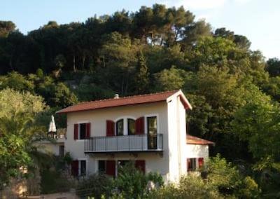 Maison niçoise avec jardin et piscine