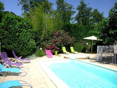 piscine et SPA chauffés à l'abri des regards et rien que pour vous.