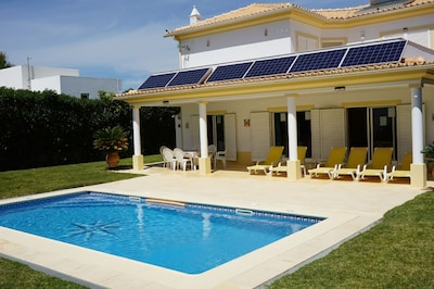 A/C 3 Bedrooms Villa Borboleta. All day sunshine all around the spacious Villa Borboleta.