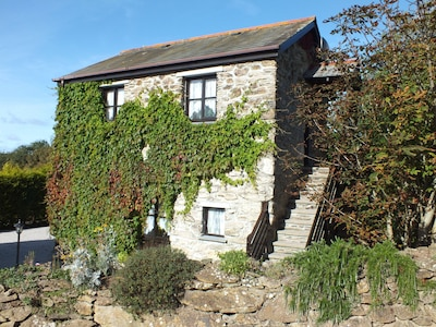 Stone cottage in a tranquil rural setting with a 2 acre recreation field