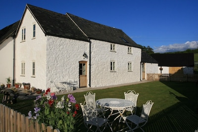 Cottage rear with fenced garden