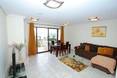A Superb 2 Bedroom Holiday Apartment Excellent Location, Falesia Beach