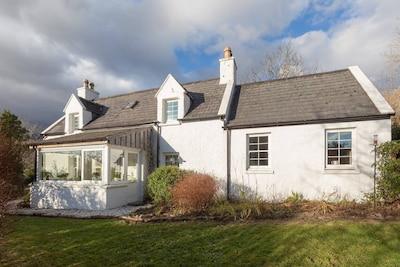 Beautiful Skye Crofter's Cottage sleeps six close to mountains, sea and beach