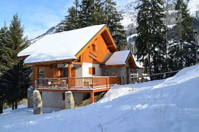 Chalet de luxe SKI-IN / SKI-OUT. Wifi gratuit, sauna et belle vue !!!