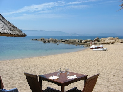 la plage Arinella à 2 mn...