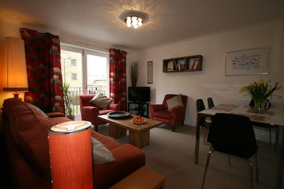 Highbury - great secure location, easy access to City and West End.