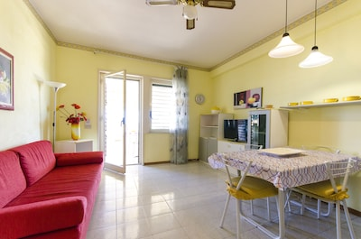 Giardini Naxos: Apartment Giardini Naxos - wonderful view on Taormina bay , just 100 from the beach