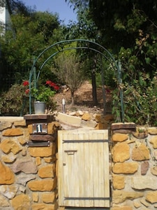 le petit portillon de l'entrée