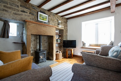 End Cottage,  Ashford In The Water.Romantic and stylish 1 bedroom cottage.
