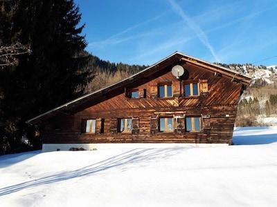 Charmant chalet alpin, immense jardin et vue panoramique