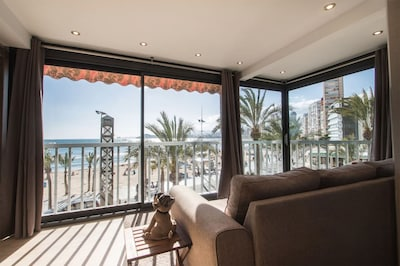 Sea view from your sofa. A real pleasure. Be at the beach from your sofa.