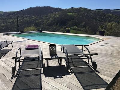 Profitez de la piscine 8X4, chauffée de juin a septembre