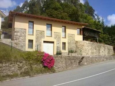 Casa individual en entorno rural