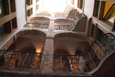 cour classée. Indexed beautiful courtyard.