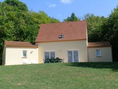 Maison  tranquille au sud-est de Sarlat avec piscine private