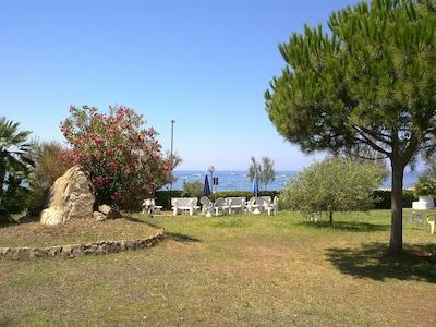 Residence 50 mt dal mare - spiaggia privata - parco - parcheggio interno