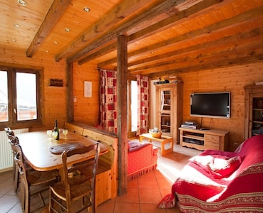 Beautiful and comfortable family apartment 300 m from the slopes for 6/8 pers