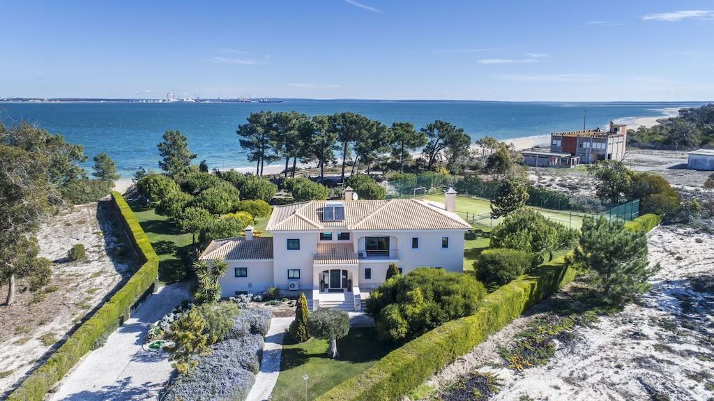Luxusvilla Am Strand Pool Und Privater Tennisplatz 70 M Vom Strand Entfernt Carvalhal
