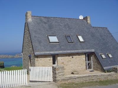 Villa donnant directement sur la mer