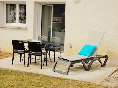 2 bains de soleil, barbecue