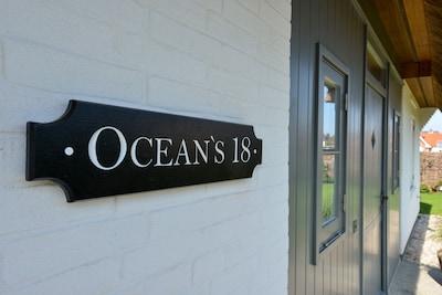 Willkommen im Ocean's 18! Unser Cottage Sign wurde in England maßgefertigt