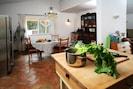 Küche und Essbereich I Fotos Johannes Nies I Deco: Marion Lemper