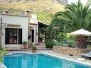 Pool in einem herrlichen Garten