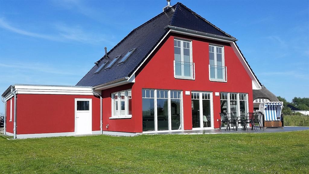 Strandnahes Exclusives Ferienhaus Mit Whirlpool 3 Schlafzimmer Kamin Wlan Garage Dranske