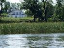Die Ferienwohnung im OG des 2011 erbauten Hauses. Blick vom Vilzsee.