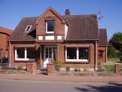 Ostsee Ferienhaus - Strandnah - / komplett modernisiert