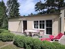 Hauseingang und Terrasse