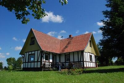 Tolles Ferienhaus (120qm) mit gr. Garten, 2 Schlafzi., EBK, 2 Bäder
